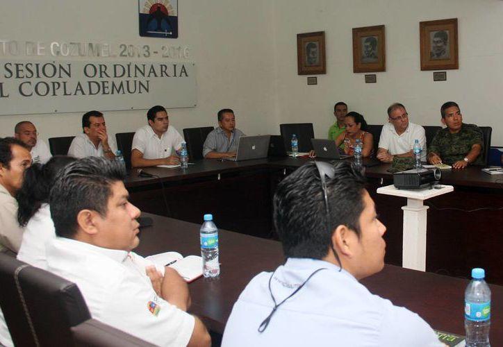 Los integrantes del subcomité se reunieron en el Salón de Cabildo. (Cortesía/SIPSE)