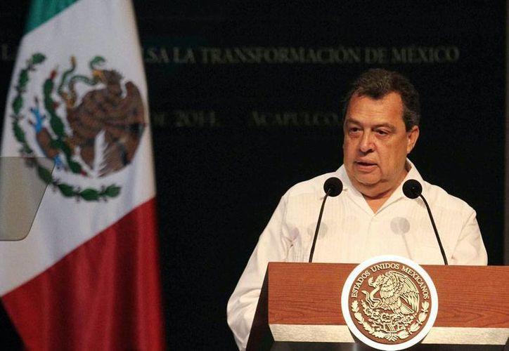 Imagen de archivo del gobernador -hoy con licencia- de Guerrero, Ángel Aguirre Rivero. El Congreso del Estado debe nombrar al sustituto. (NTX)