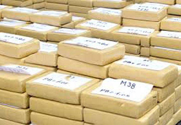 Foto de contexto. Autoridades ecuatorianas y agentes de la DEA, decomisaron 700 kilos de cocaína en las islas Galápagos.(crítica.com.pa)