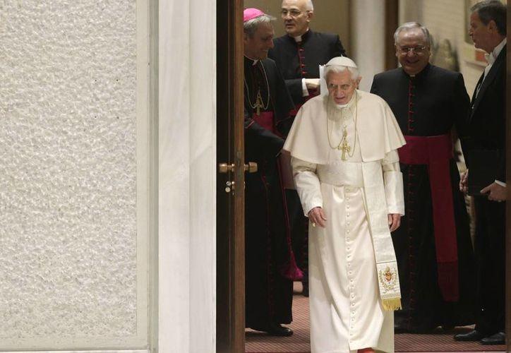 Benedicto XVI afirmó que reza por los difuntos. (Agencias)