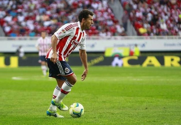 El futbolista cancunense aún forma parte del equipo de Guadalajara. (Archivo/SIPSE)