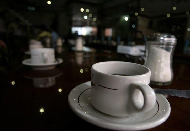 De acuerdo a un estudio médico canadiense el café mejoraa enfermos de Parkinson. (SIPSE)