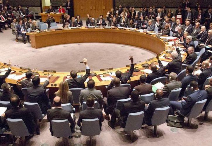 El Consejo de Seguridad de la ONU, en un hecho histórico, aprobó medidas para iniciar un alto al fuego permanente en Siria. (AP)