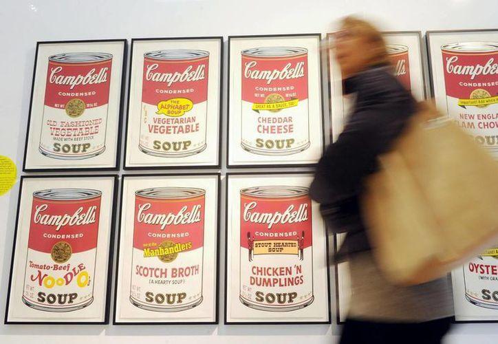 Una lata de Campbell de sopa de fideos con pollo, condensada, que ostenta la certificación, dice contener 410 gramos de sodio por porción de media taza. (Archivo/EFE)