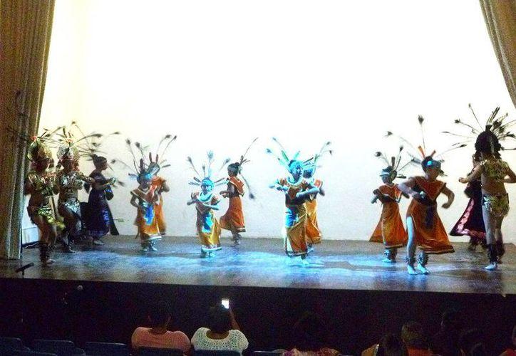 Las actividades se realizaron en el auditorio de la Casa de la Cultura. (Raúl Balam/SIPSE)