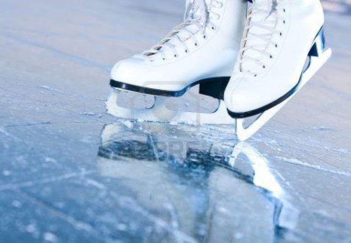 La pista de hielo es uno de los atractivos de la temporada decembrina de Cancún. (Contexto/Internet)