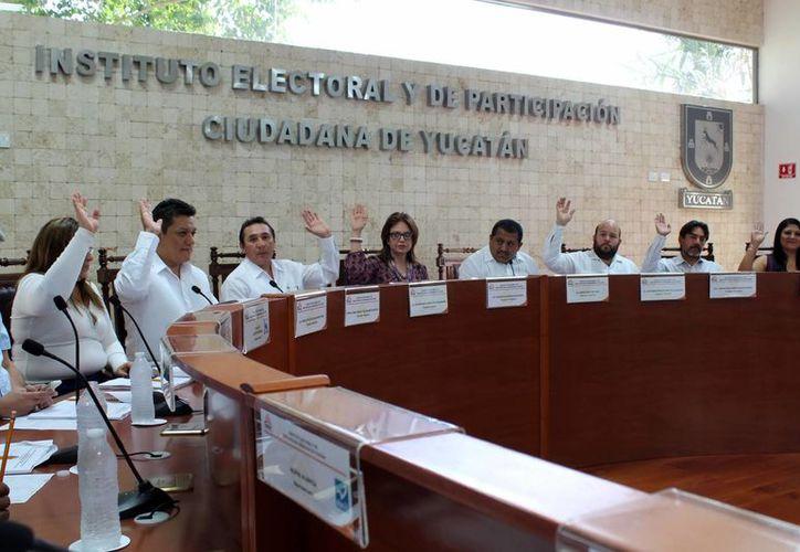 Después de que los funcionarios electorales renunciaron a sus cargos, el Consejo Electoral quedó incompleto, ya que tampoco hay suplentes. (Milenio Novedades)