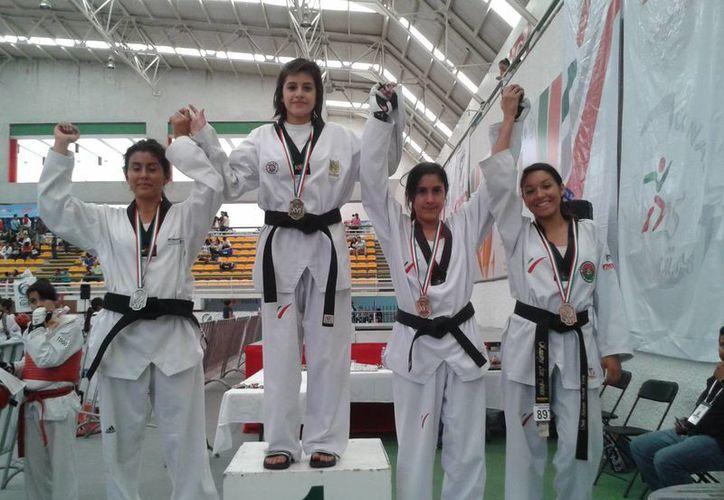 Ganadores de medallas en el Torneo Juvenil de Aguascalientes. (Milenio Novedades)