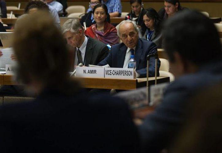 El vicepresidente del Comité de ONU sobre Discriminación Racial Noureddine Amir durante la asamblea. (Notimex)