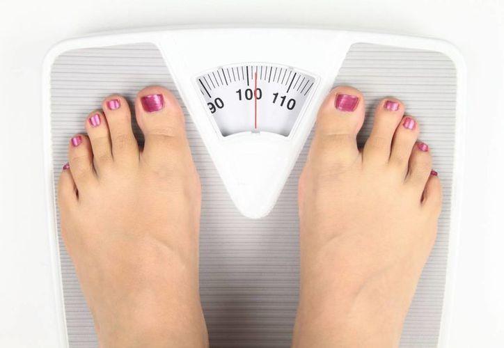 Preocupa que muchas personas recurran a fármacos para combatir el sobrepeso adquirido en la temporada navideña. (Milenio Novedades)