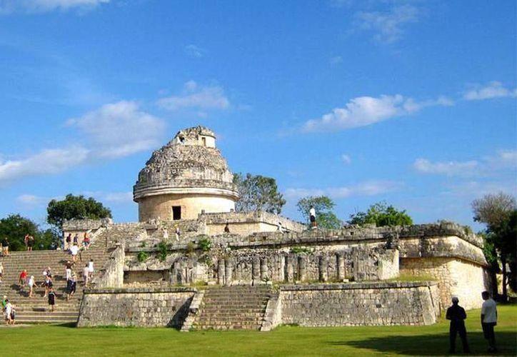 Consideran que el Tren Maya impulsaría el turismo en algunas zonas, como Chichén Itzá. (Foto: Milenio Novedades)