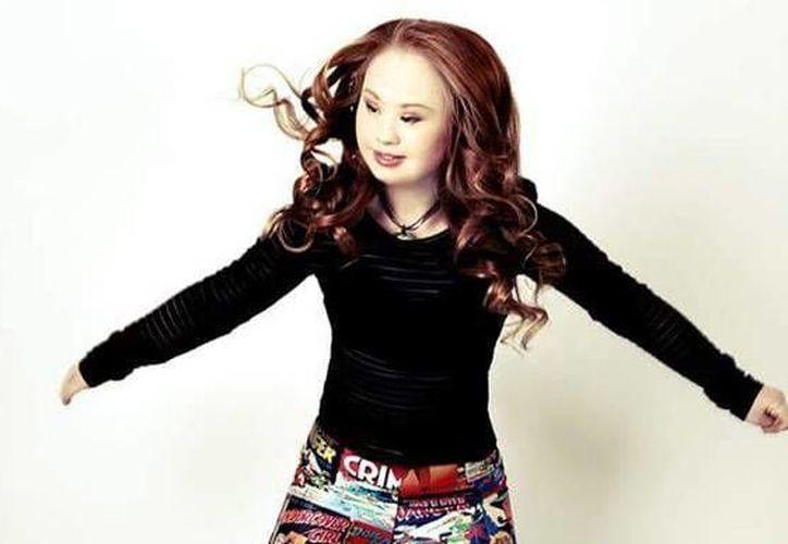 Madeleine se ha convertido en un verdadero modelo para la gente en su misma condición. (Facebook/Madeline getting Downs to modelling)