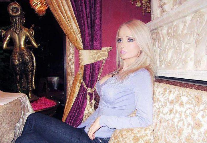 La ucraniana Valeria Luckyanova es el caso más sorprendente del parecido de la muñeca Barbie a una persona real. (Facebook)