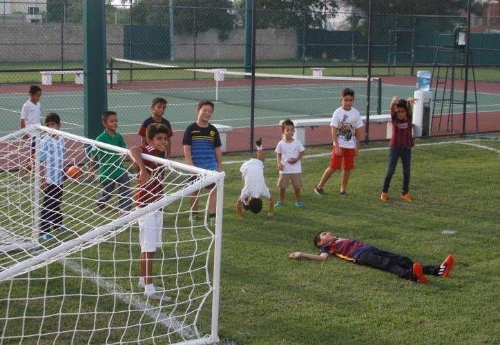 Los niños se divertieron en grande en el Club Libanés. (Milenio Novedades)