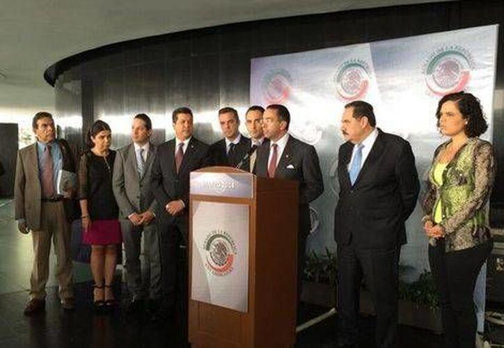 Conferencia de prensa de senadores panistas sobre investigación de caso Oceanografía. (Foto tomada de Milenio)