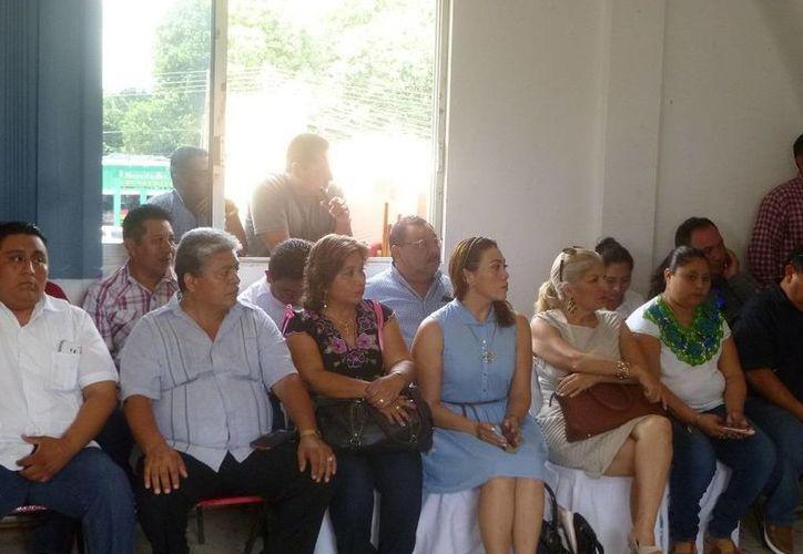 Regidores durante la presentación del equipo de transición. (Raúl Balam/SIPSE)
