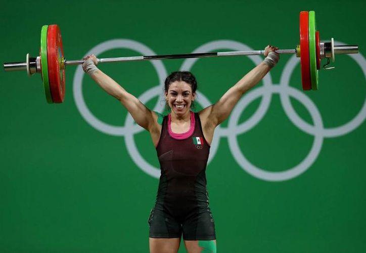La mexicana quedó muy lejos de las medallas en la competición, ya que existió una diferencia de 20 kg con respecto al bronce.(Foto tomada de Conade)