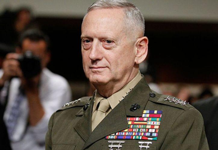 Jim Mattis es el primer secretario de Defensa de EE.UU. en visitar la base naval de Guantánamo, Cuba, en casi 16 años. (Foto: Twitter)