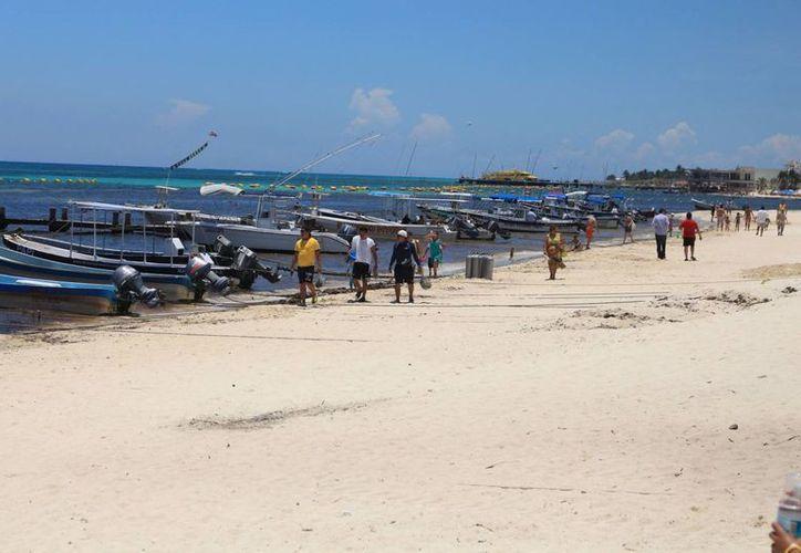 Los prestadores de servicios acuáticos de Playa del Carmen reportan buenas cifras de demanda. (Adrián Barreto/SIPSE)