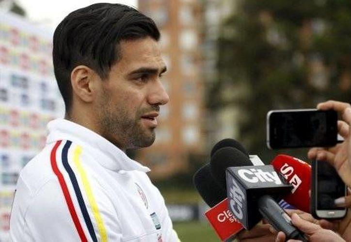 Radamel Falcao, quien se perdió el Mundial de 2014 por una fractura de rodilla, ahora será capitán de Colombia en la Copa América de Chile, en la que juegan este domingo contra Venezuela. (elcomercio.pe)