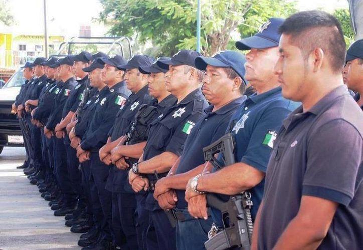 Setenta de los agentes municipales fueron trasladados al Instituto de Capacitación de Morelos, para las entrevistas, investigaciones y exámenes antidopaje correspondientes.  (temixco.gob.mx)