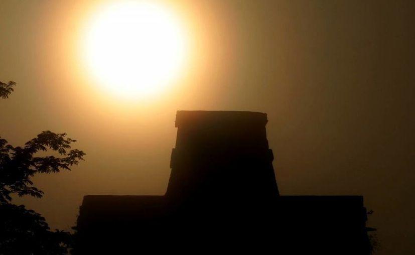 Lamentan la poca divulgación para la observación del fenómeno. En la imagen, el Templo de las Muñecas. (SIPSE)