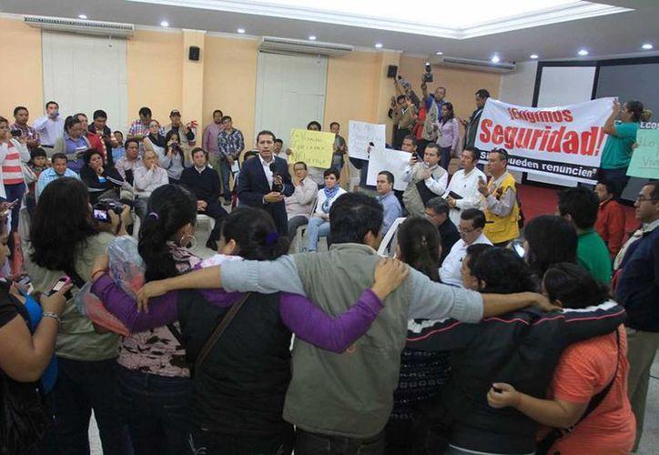La reciente desaparición del reportero Gregorio Jiménez sacó a flote, una vez más, el debate de los riesgos que corre el periodismo en México. (Notimex)