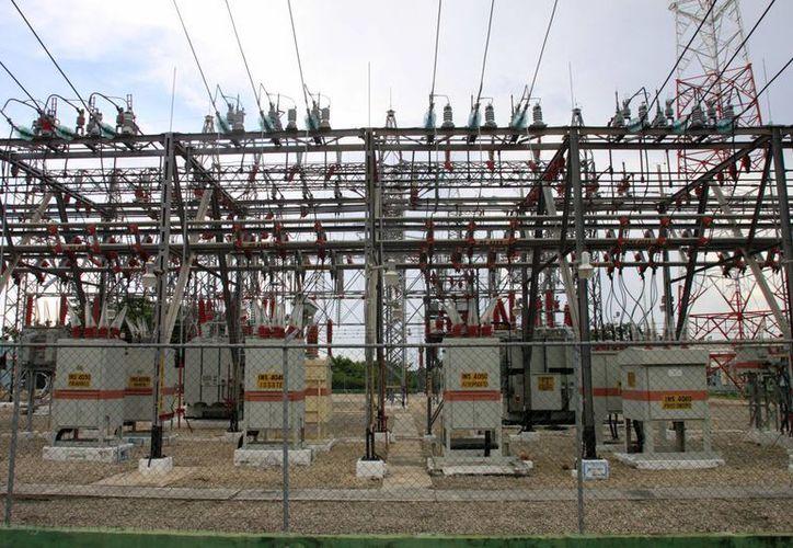 El director de la CFE indicó que la tarifa de electricidad para la industria presentó una reducción del 16%. (Archivo/SIPSE)