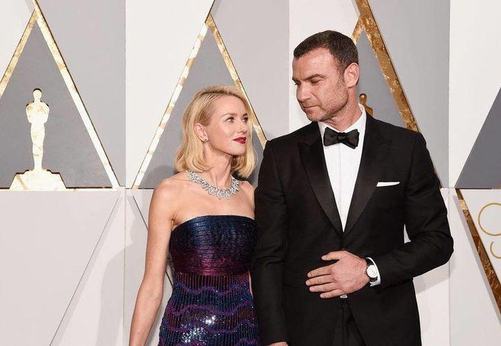 'La mejor manera de seguir adelante para nosotros como una familia es separarnos como pareja', declararon los actores Naomi Watts y Liev Schreiber en un comunicado. (popsugar.com)