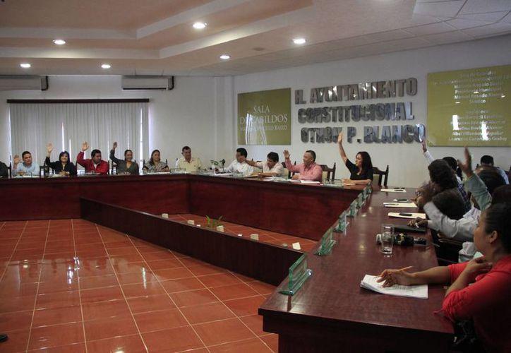 Se aprobaron las reformas al Reglamento interior de la dirección municipal de Transporte. (Harold Alcocer/SIPSE)