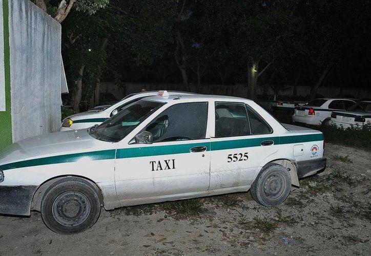 Un taxista fue dado de baja tras ser acusado de asaltar a una pasajera. (Cortesía)