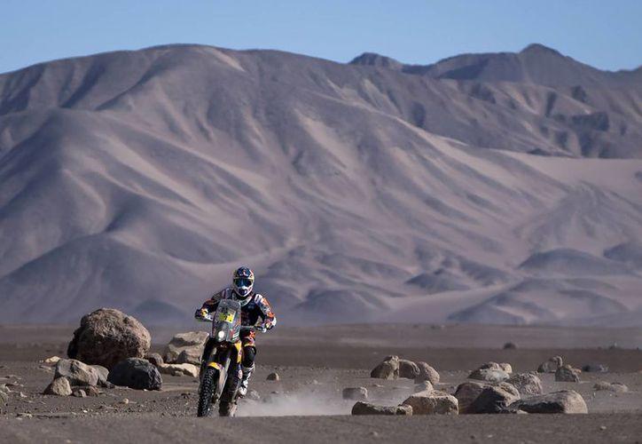 El piloto español Marc Coma es uno de los más experimentados en el Rally Dakar y de los que lucha por el título. (Foto: AP)
