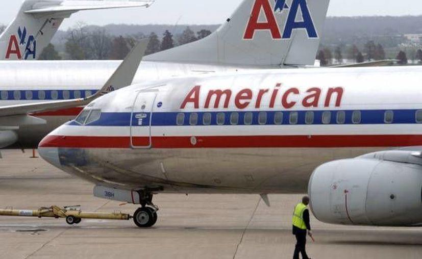 El avión McDonnell Douglas MD-80 de American Airlines llevaba 141 pasajeros a bordo; tuvo que ser evacuado por un incidente. Afortunadamente no hubo heridos de gravedad. (Archivo/AP)
