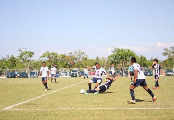 A los 22 minutos Real Ermita ya estaba adelante en el marcador gracias a Julio Argáez. (Milenio Novedades/Foto de contexto)