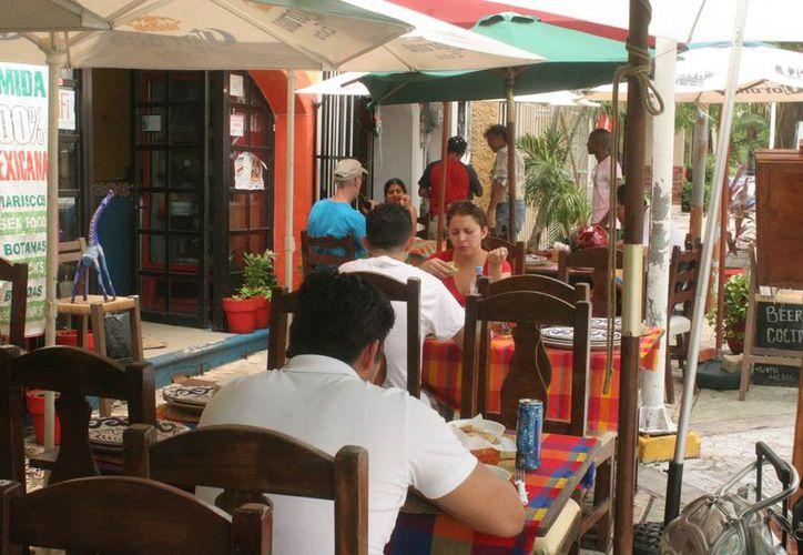 """Los restauranteros no tienen capacidad de invertir 30 mil pesos para obtener el Distintivo """"H"""". (Israel Leal/SIPSE)"""