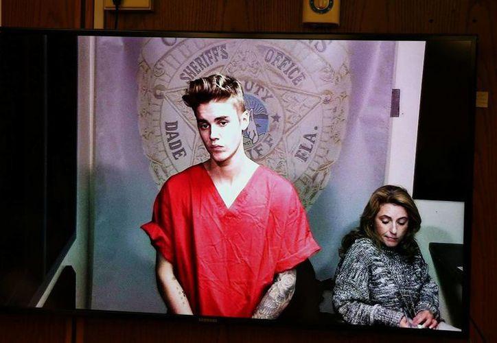Justin Bieber no sale muy bien parado en el video del interrogatorio policial. (Foto de Contexto/Agencias)