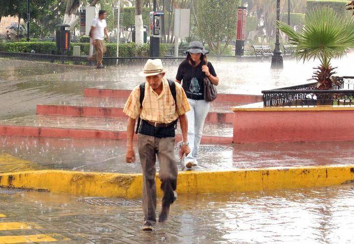 El frente frío numero 4 propició ayer lluvias en Mérida. (Wilbert Argüelles/SIPSE)