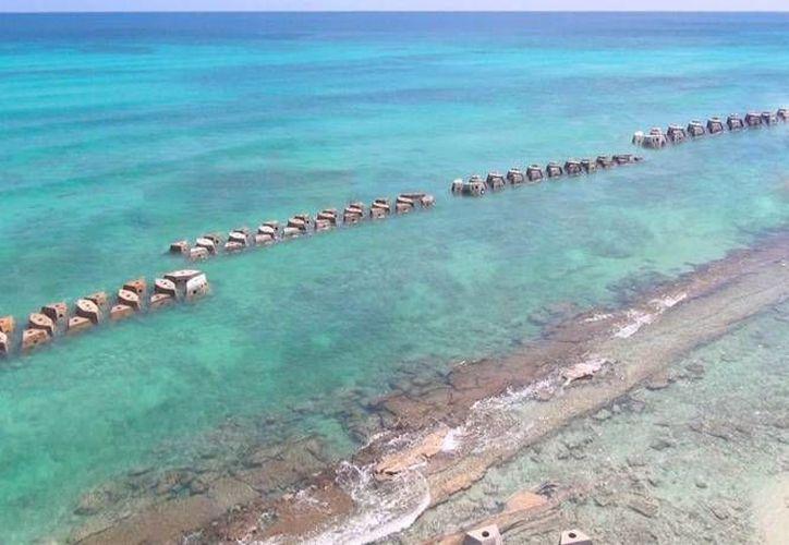 En el hotel Dorado Royale & Spa en la Riviera Maya fue instalado un arrecife artificial para proteger la playa de los embates de las olas. (Sergio Orozco/SIPSE)
