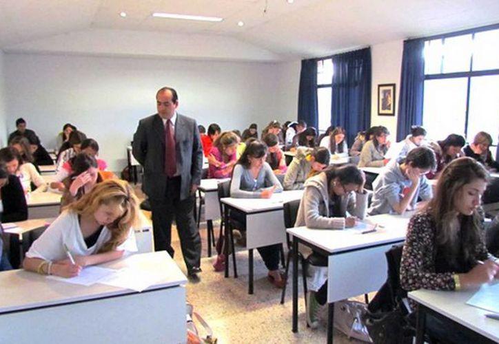En el primer fin de semana de evaluaciones, fueron programados 380 maestros. (Contexto/Internet)