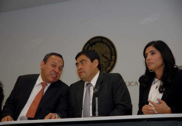 Barbosa Huerta (c) sostuvo que es una obligación política y legal regular las formas de democracia participativa. (Notimex/Archivo)
