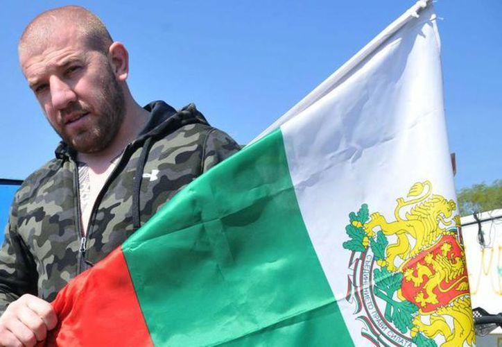 Dinko Valev asegura que Bulgaria necesita 'gente como él'. (rdice.net)