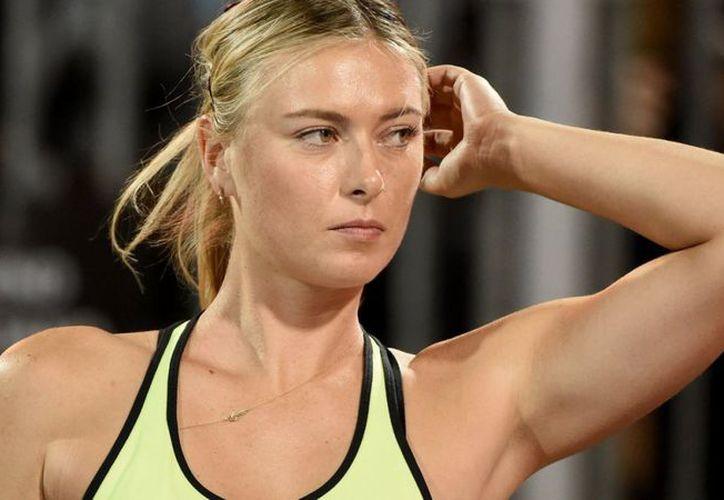 La tenista rusa María Sharapova anunció su retiro del torneo de tenis Abierto de Miami. (T13)