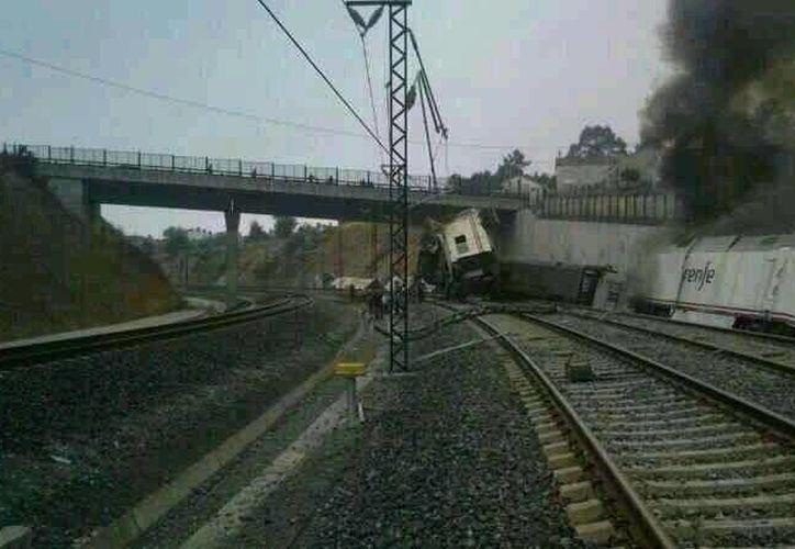El usuario de Twitter Manuel Cores subió a la red social esta imagen del accidente. (Foto: Twitter)