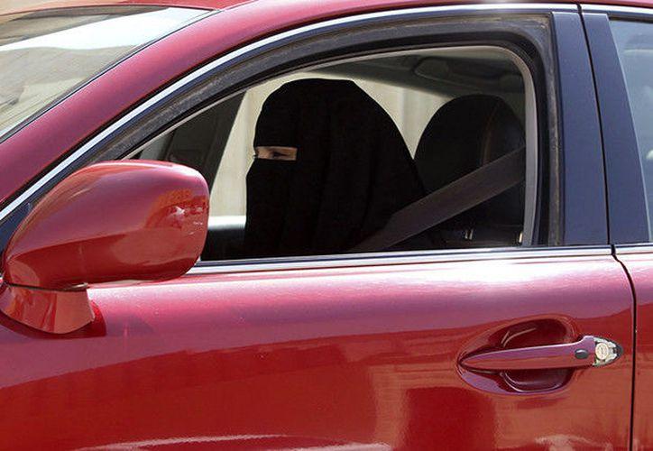 Las normas sociales impuestas por la máxima autoridad religiosa, el Consejo de los Ulemas, impedían su aprobación. (RT)