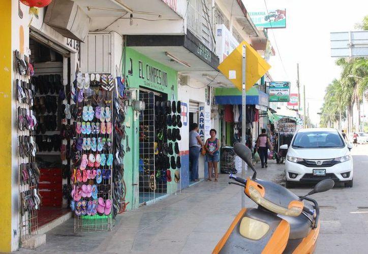 En todo el municipio existen cerca de cinco mil pequeños comercios. (Benjamin Pat/SIPSE)