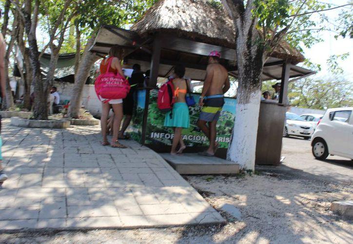 Los módulos de turismo son atendidos por Fiscalización de la Tesorería. (Sara Cauich/SIPSE)