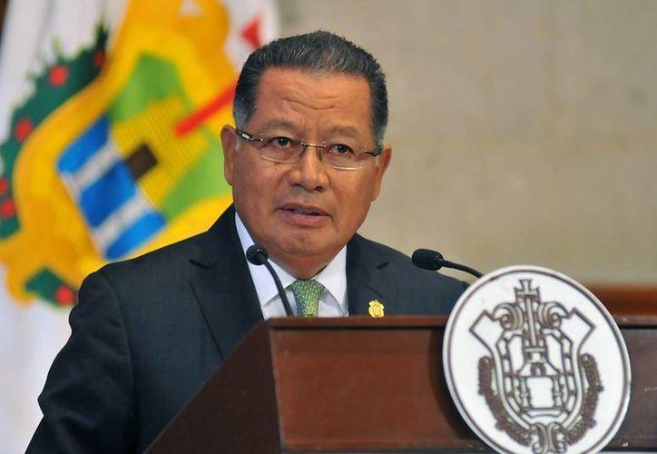El mandatario interino de Veracruz, Flavino Ríos, dijo que instruyó a la secretaria de Finanzas para que se reúna con los empresarios . (facebook.com/Flavino.Rios)