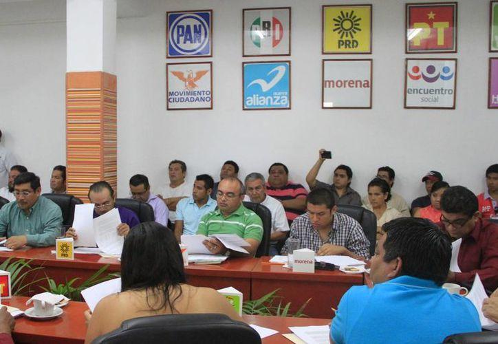 Un total de 29 los aspirantes fueron entrevistados en la sede el INE en la ciudad de México. (Ángel Castilla/SIPSE)