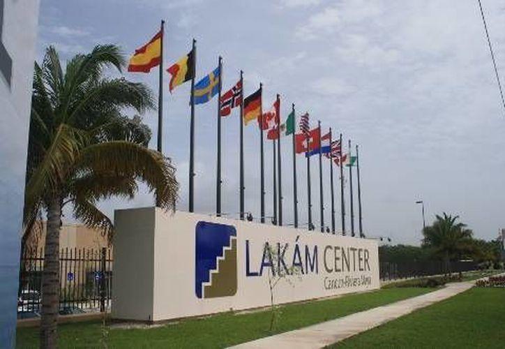 El evento tendrá un área de exposición de casi 20 mil metros cuadrados en el Lakám Center Cancún-Riviera Maya. (Foto/Internet)