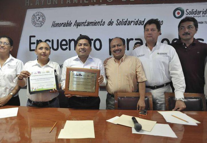 El reconocimiento fue entregado en una ceremonia en las instalaciones de Tv Azteca en la Ciudad de México. (Redacción/SIPSE)